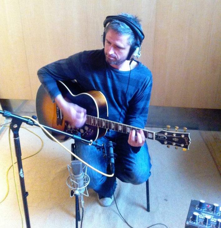 j200-studio